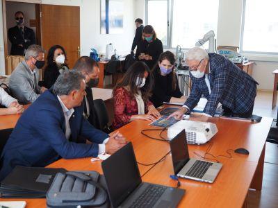 Среща на XI -а клас с  посланика на САЩ Херо Мустафа  - ПГМ - Пловдив